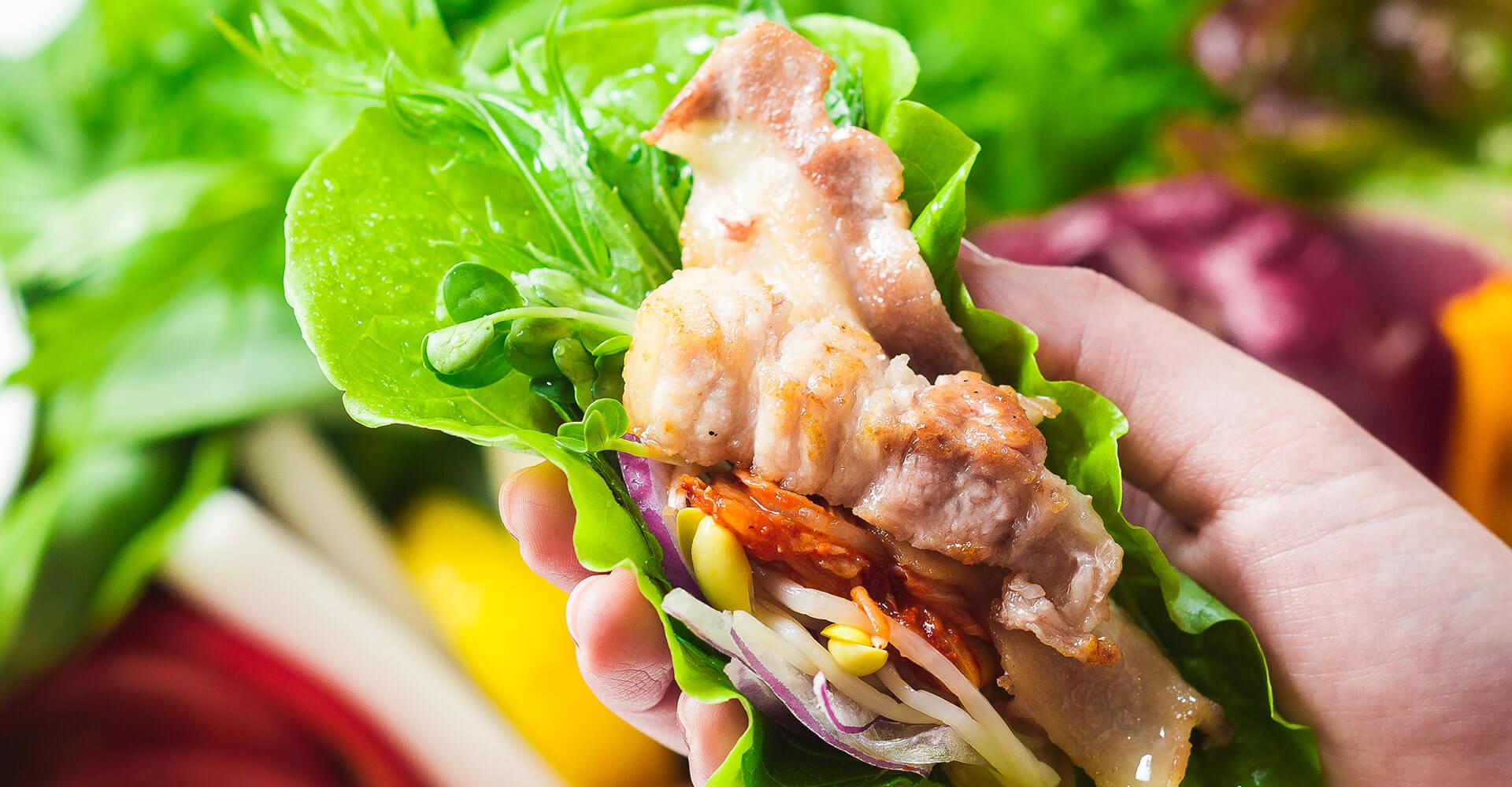農園直送の新鮮野菜で食べるサムギョプサル